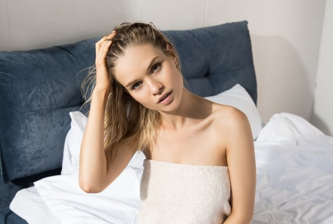 How to Sleep with Wet Hair without Damaging it